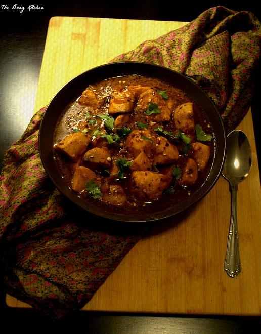 Kochur Dalna / Taro root curry – The Bong Kitchen